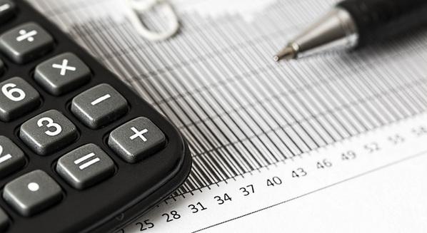 Tabelinha e calculadora para calcular o período fértil