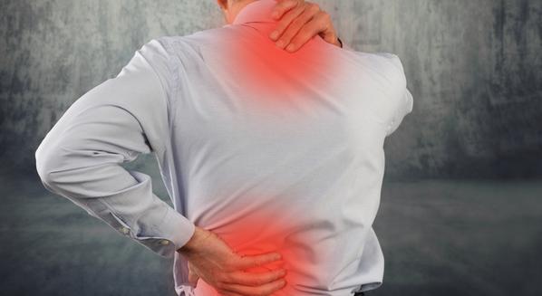 Dor nas costas nas regiões cervical e lombar