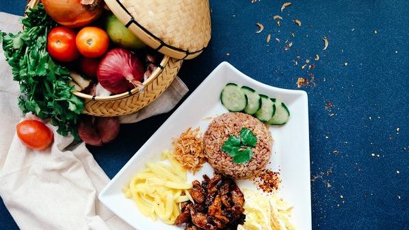 Alimentos saudáveis: verduras, legumes, carnes