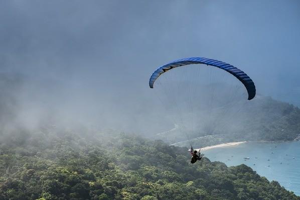 Salto de parapente